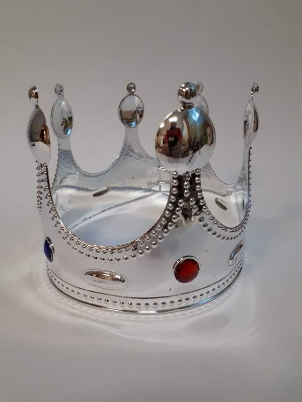 korona - ezüst színben