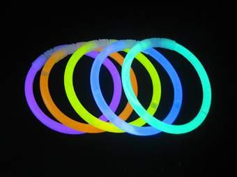világító karkötő / pálca (50 db)