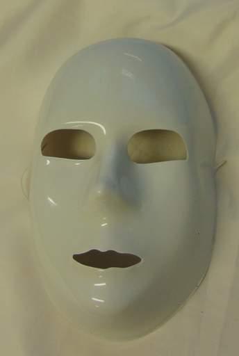 fehér maszk