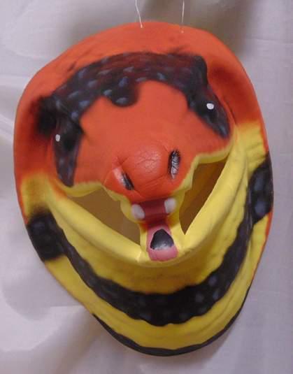 Kígyó álarc