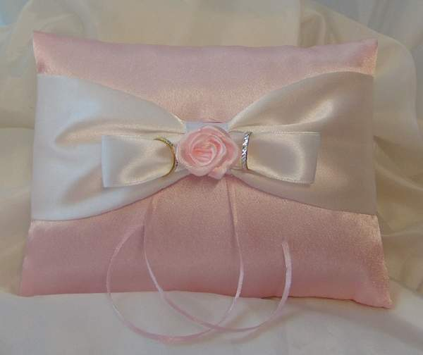 esküvői gyűrűpárna - rózsaszín