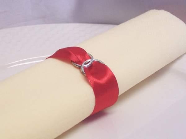 Szatén szalvétagyűrű gyűrűpárral-piros-Valentin napra