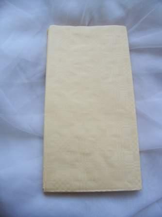 Papírterítő (180*120 cm) krém