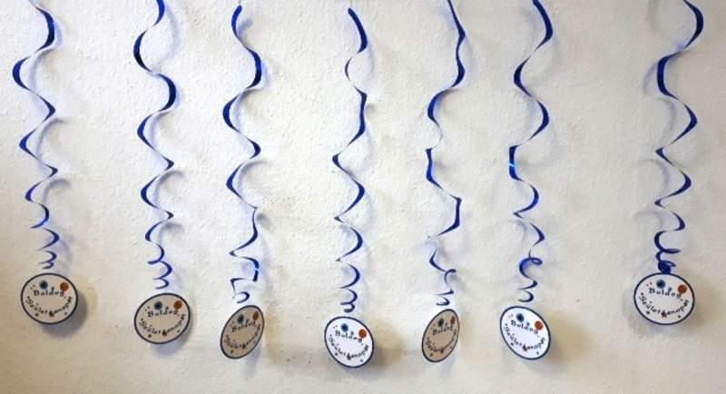 Boldog születésnapot ! spirálos függődísz (8 részes)-kék színben