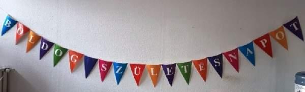 Boldog születésnapot óriás, színes zászlógirland, évszámozható (5,8 m)